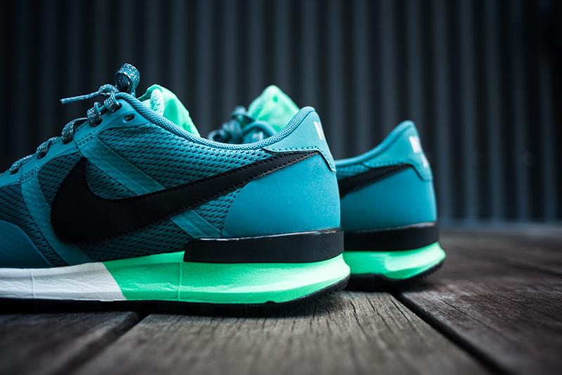 02_Nike_Air_Pegasus_83-30_Mineral_Teal