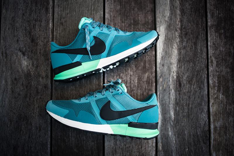 04_Nike_Air_Pegasus_83-30_Mineral_Teal