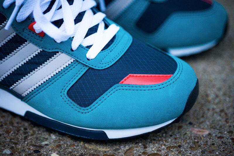 06_Adidas_ZX_700_Sea_Water