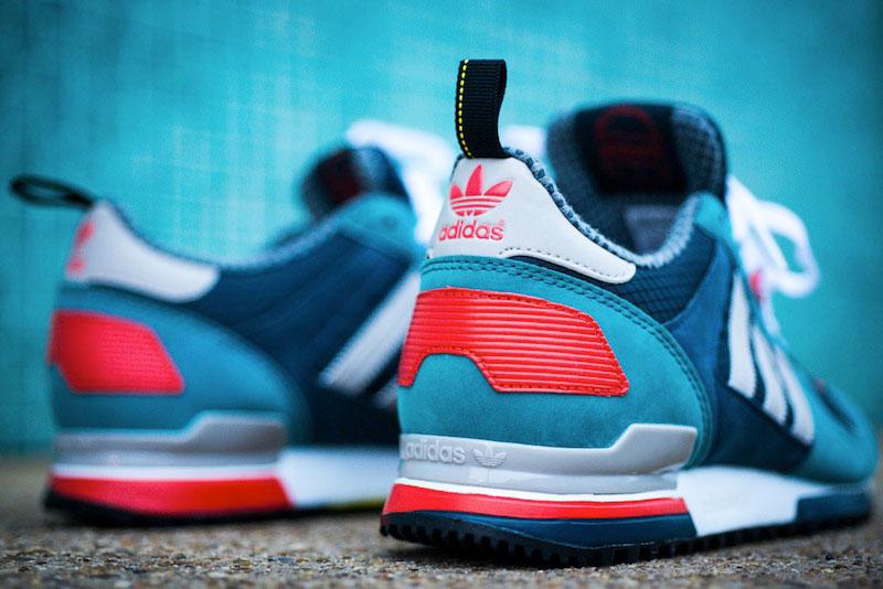 07_Adidas_ZX_700_Sea_Water