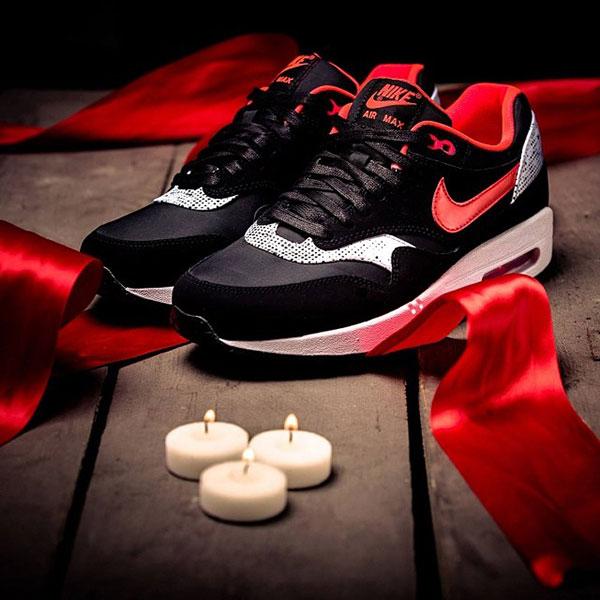 Nike_WMNS_Air_Max_1_Saint_Valentines_Day_01