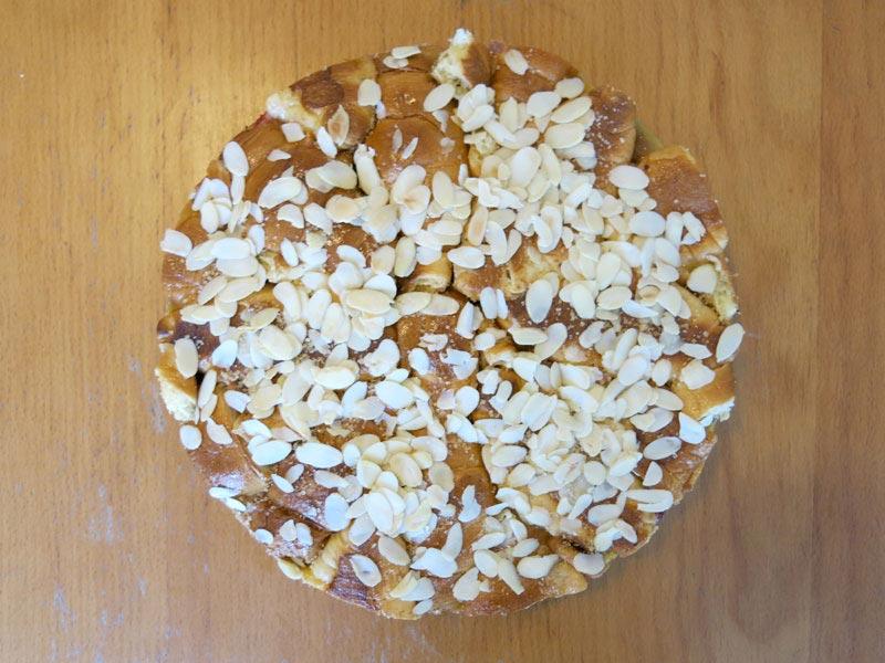 08_Croissant_Pudding_Kuchen_Brombeeren_Erdbeeren_Apfel