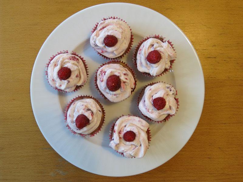 Muffins_Himbeeren_wieße_Schokolade_07