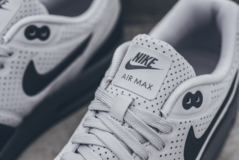 Nike-Air-Max-1-Ultra-Moire-Neutral-Gray-Dark Grey-03