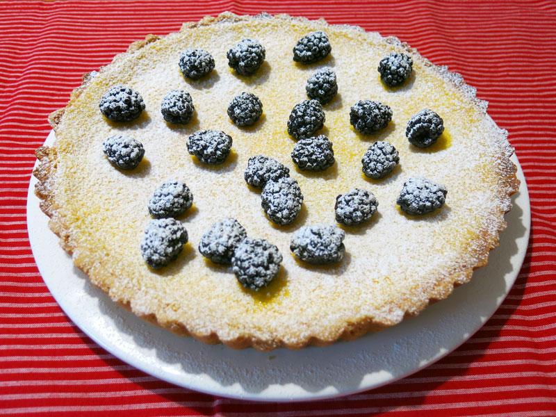 Vanille-Käsekuchen-Tarte-mit-Brombeeren_09