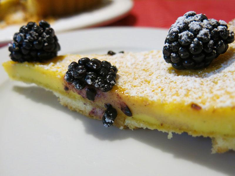 Vanille-Käsekuchen-Tarte-mit-Brombeeren_11