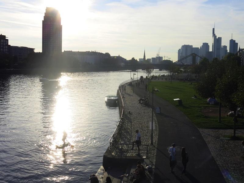 Frankfurt-tipp-sommer-abend-paddeln-main