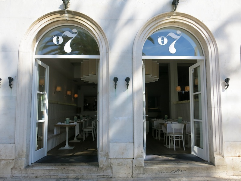 Split-top-places-brasserie-on-7-01