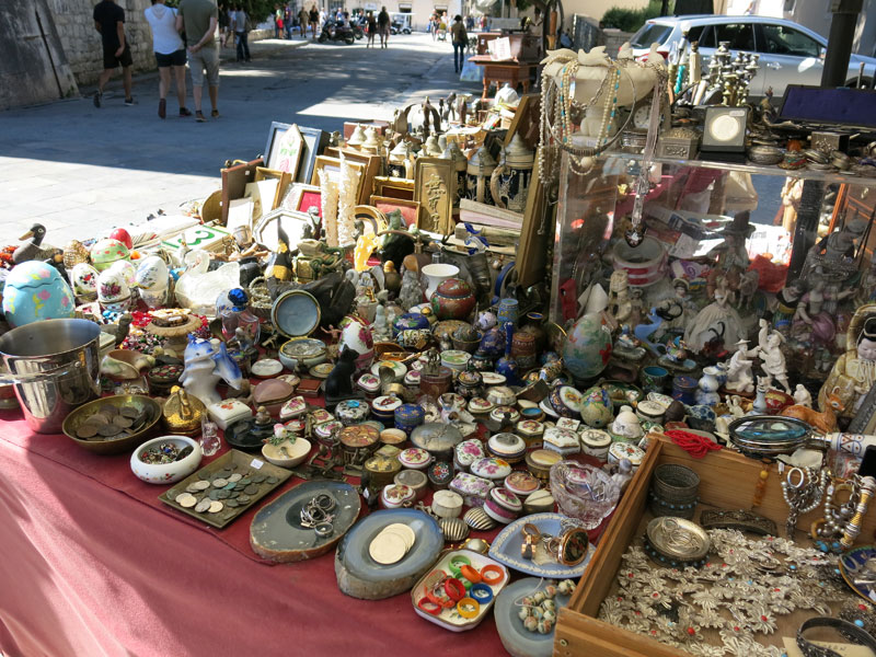 Split-top-places-market-05