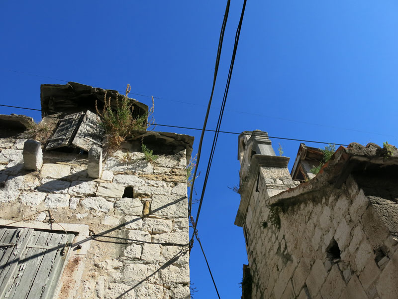 Split-top-places-old-town-01