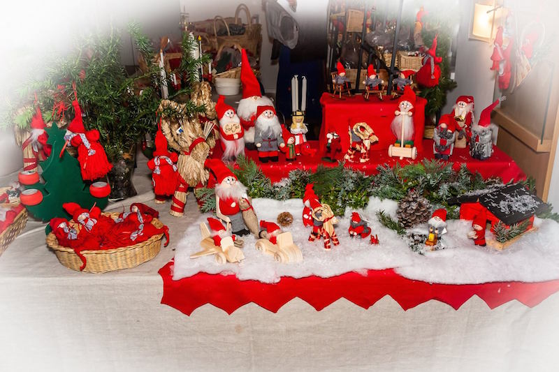 Julbasaren-schwedischer-Weihnachtsmarkt