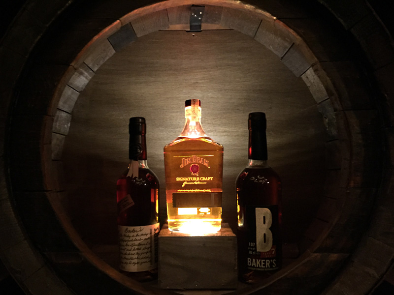 Jim-Beam-Bourbon-Legends-Bar-4
