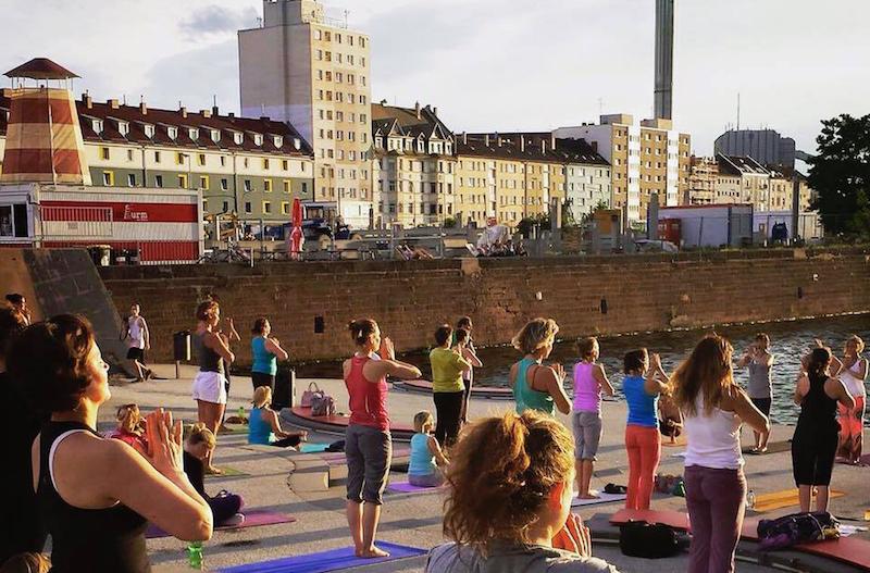 Frankfurt-Tipps-wochenende-yoga-offenbach-hafentreppe