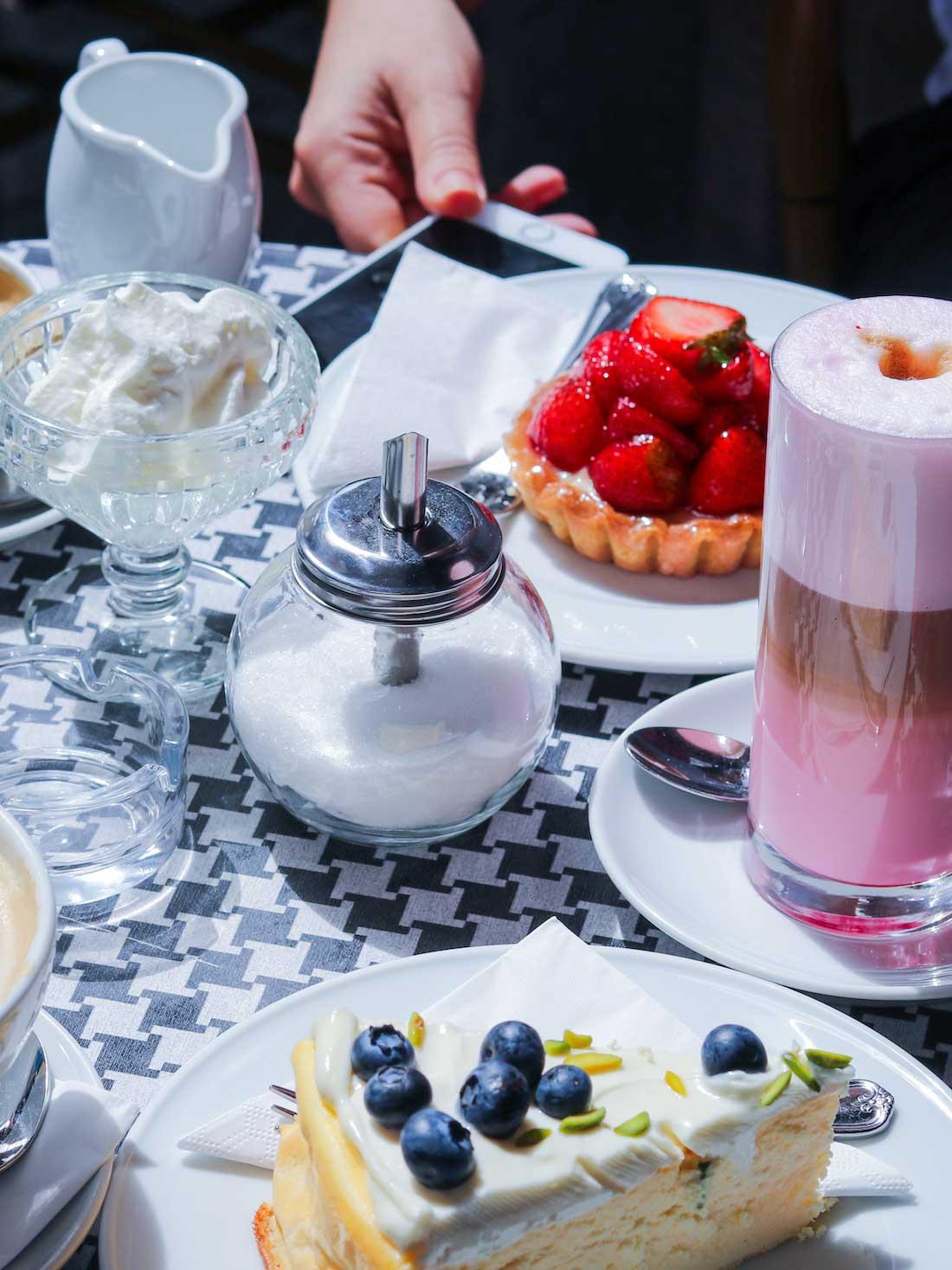 Bitter und zart frankfurt kuchen und kaffee 09 wtf ivi for Kuchen frankfurt
