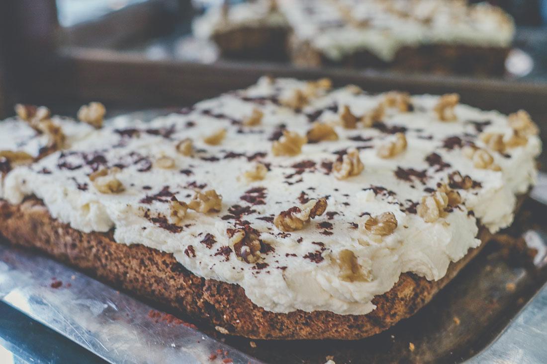 Kuchen im Metropol Café am Dom